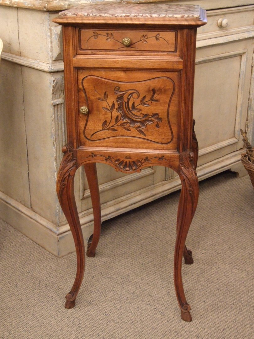 F269 - French Single Chevet / Lamp Table