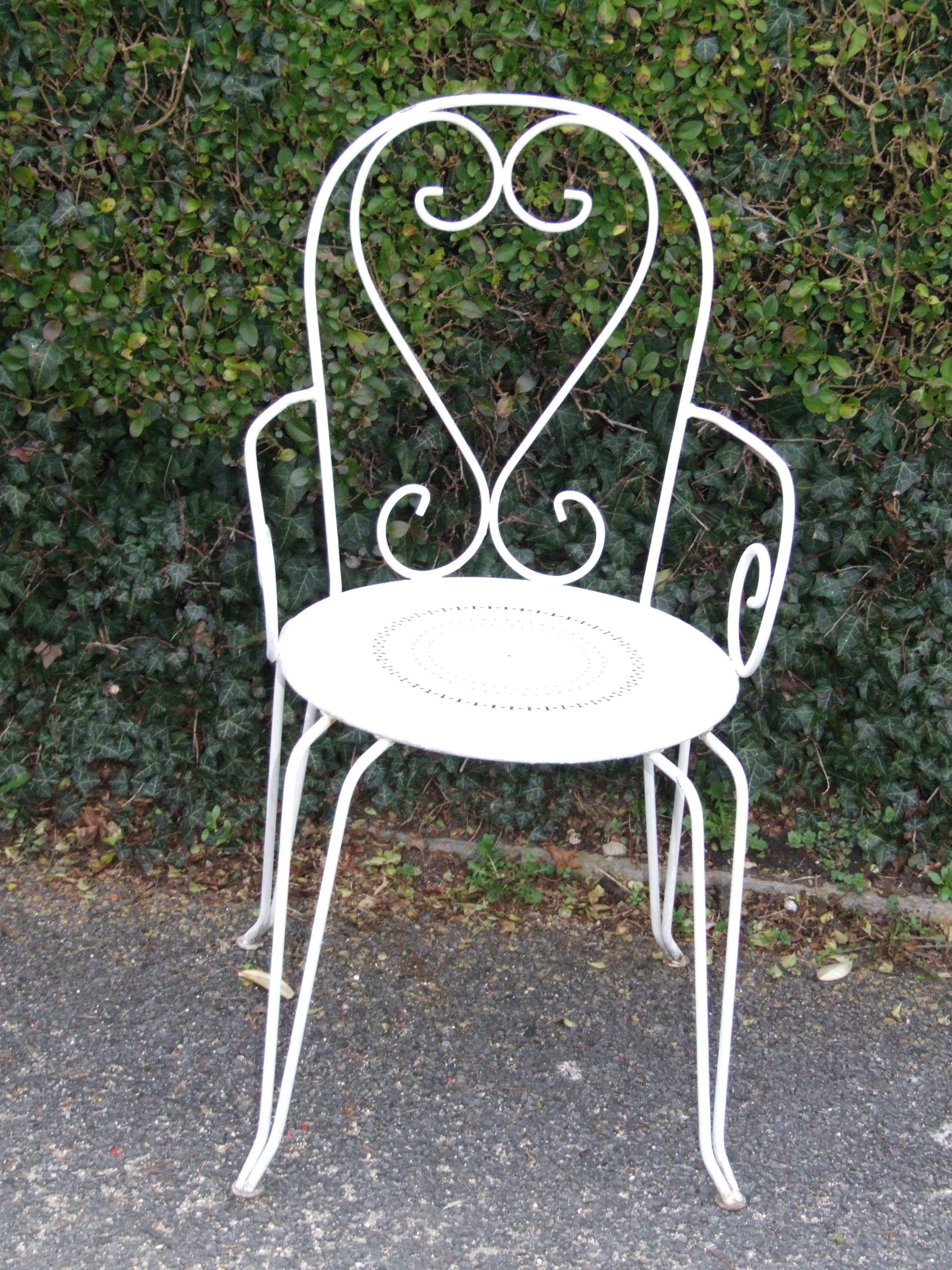 G075 s vintage french wrought iron garden patio chair la belle toffe French metal garden furniture
