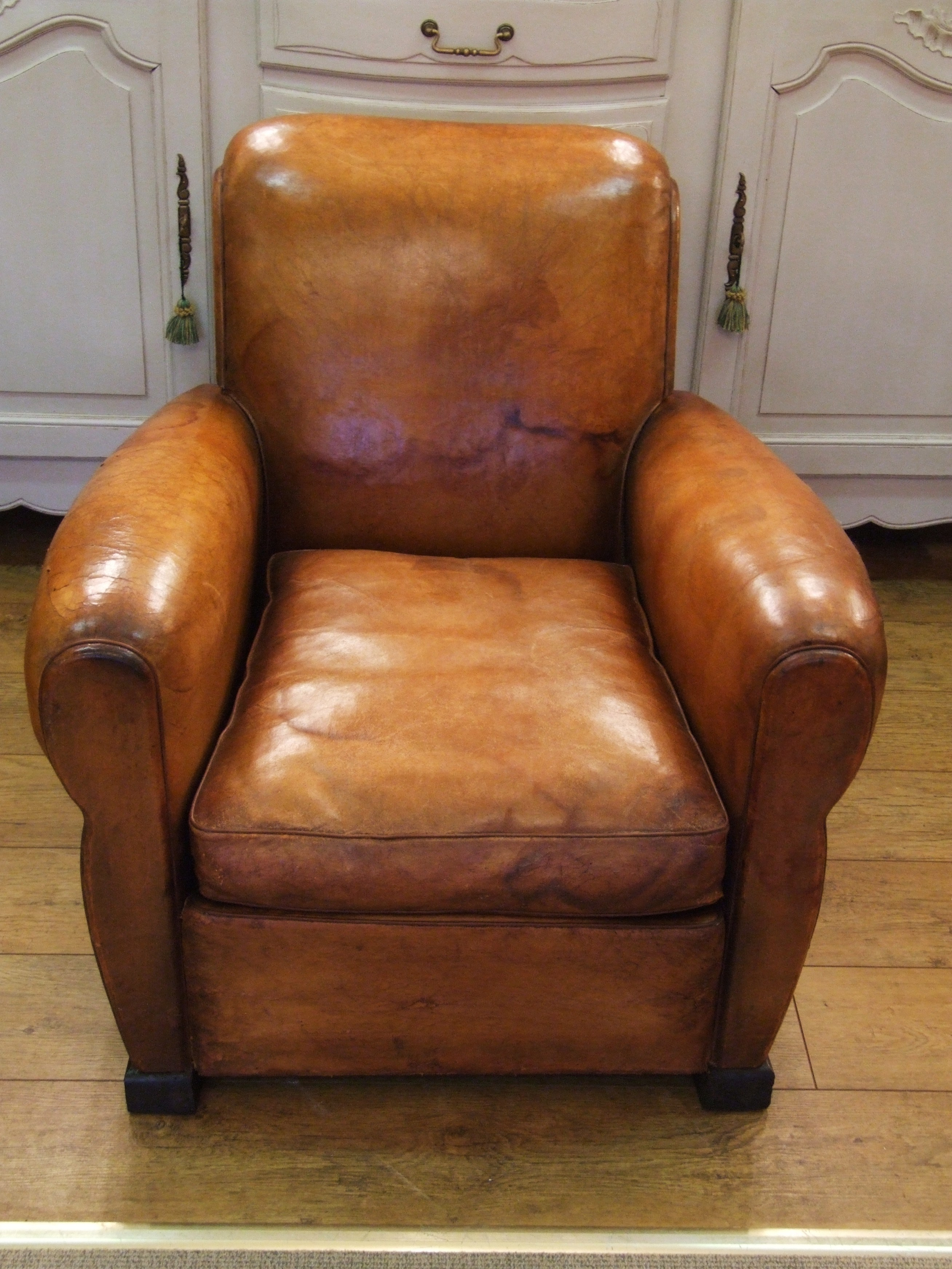 F379 S Compact Vintage French Leather Club Chair La