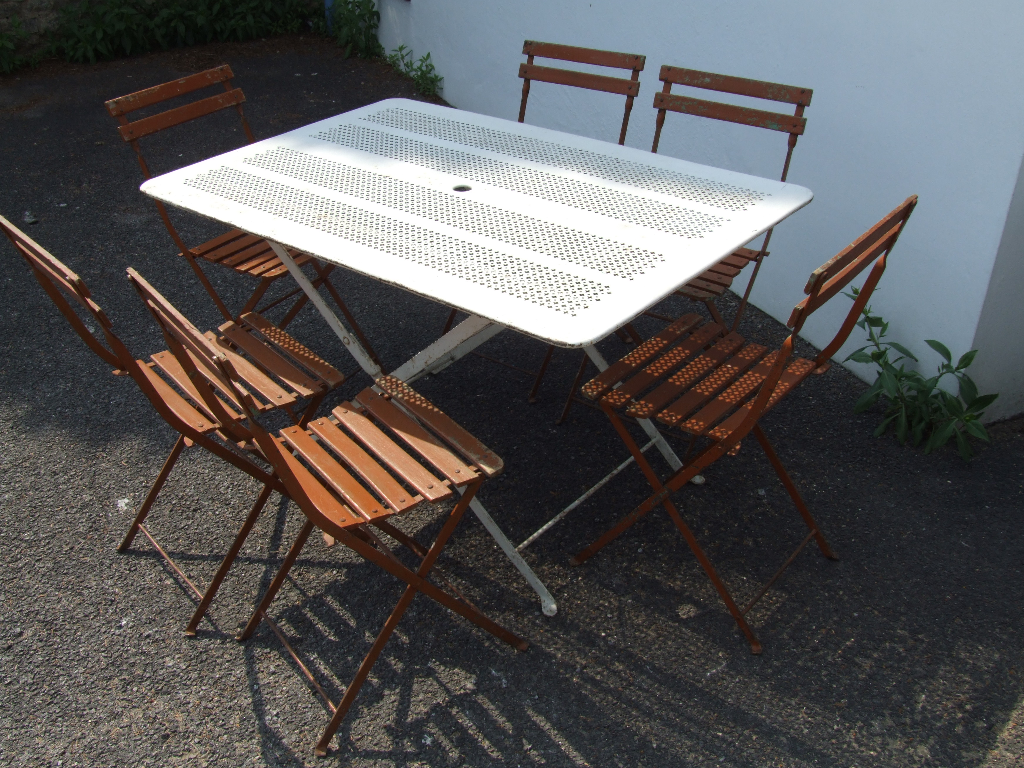 G089 Vintage French Folding Garden Table La Belle 201 Toffe