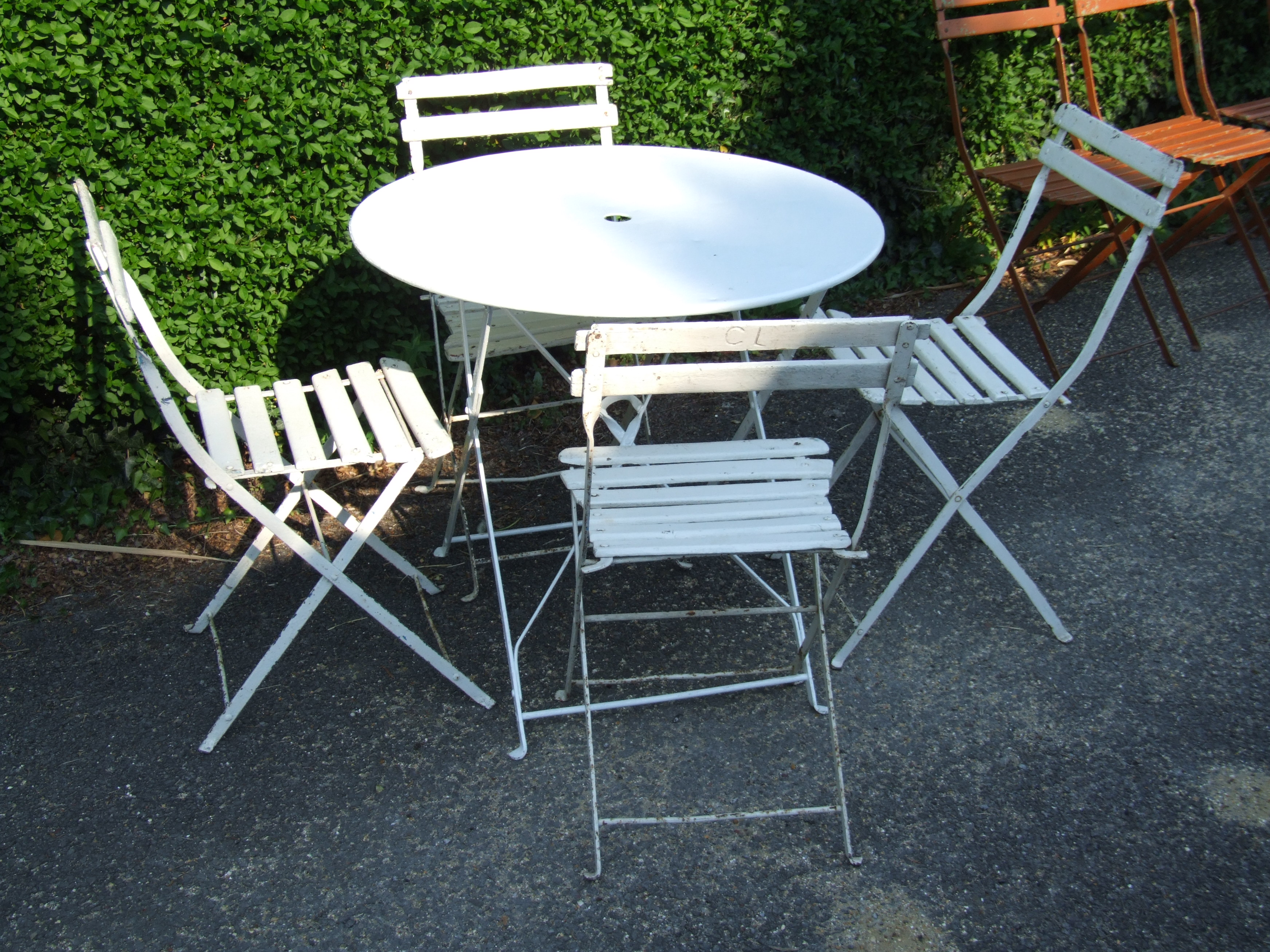 Vintage cafe table and chairs -  G097 Vintage French Round Folding Garden Cafe Table
