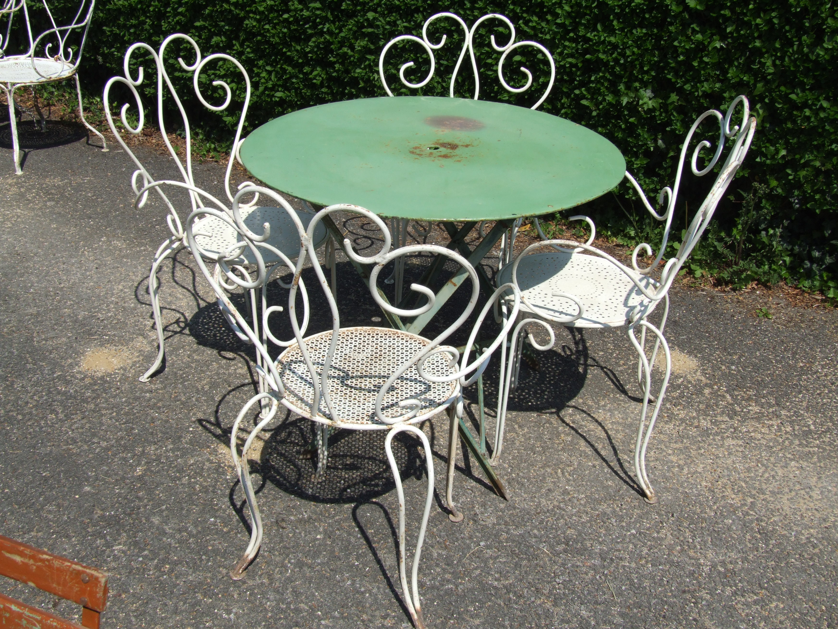 G099 S Pair Vintage French Wrought Iron Garden Patio