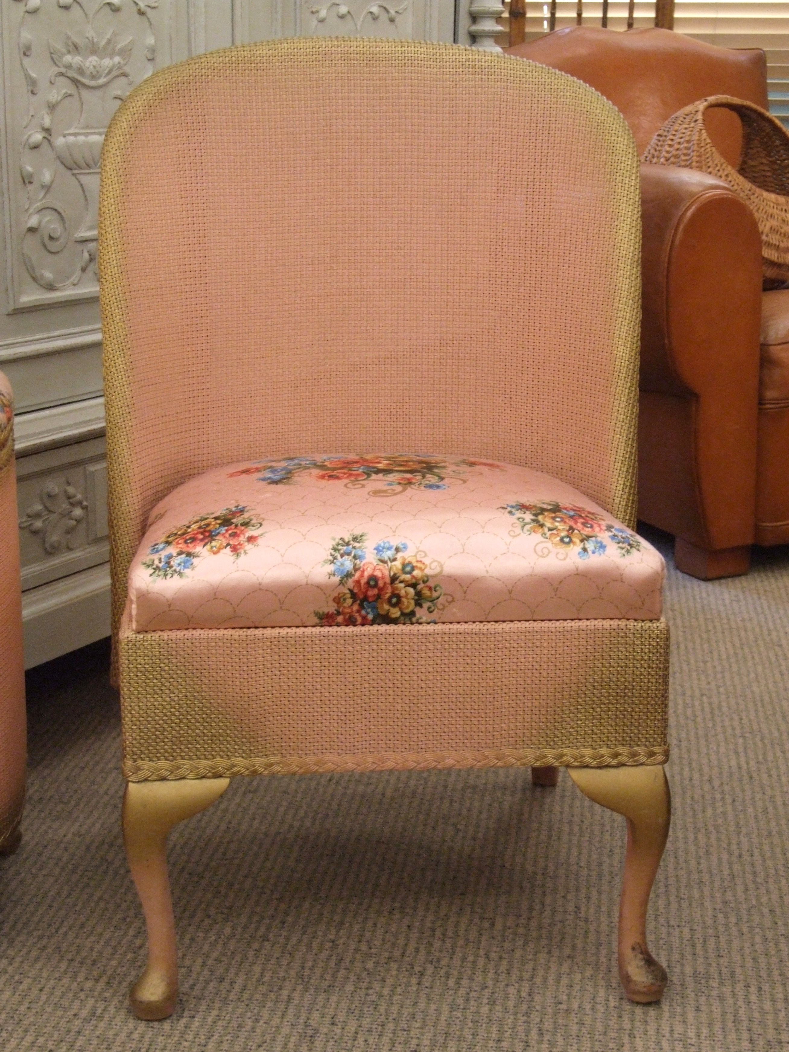 f403 s charming vintage pink bedroom chair and ottoman