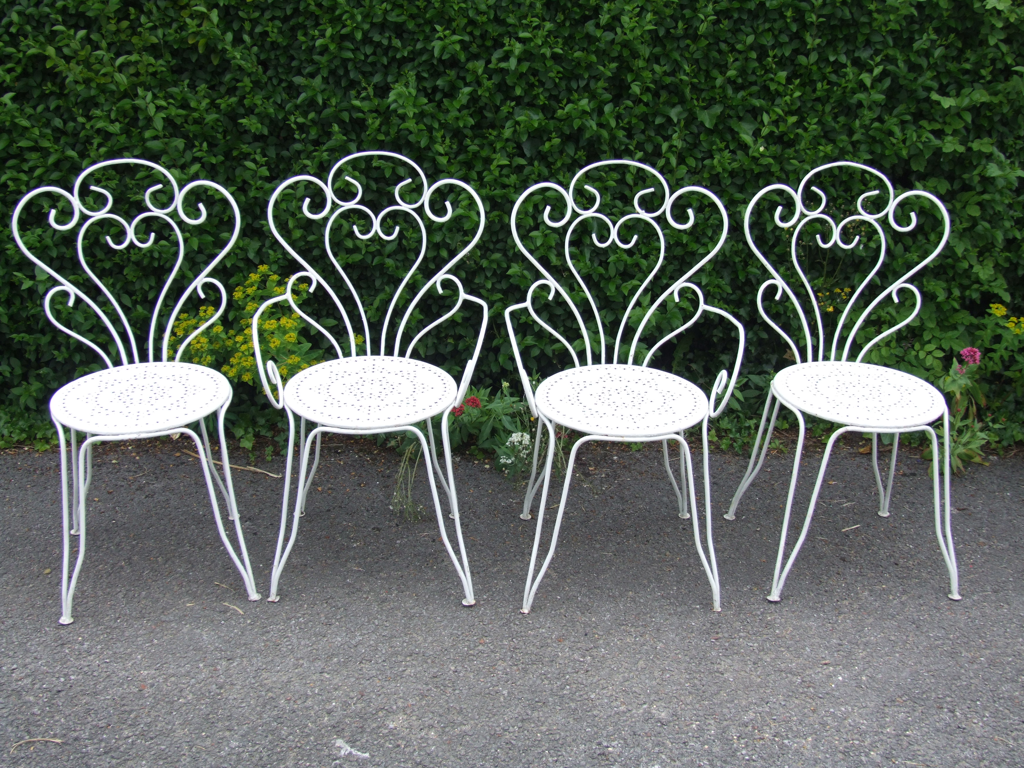 G177 s lovely set 4 vintage french wrought iron garden patio caf chairs la belle toffe French metal garden furniture