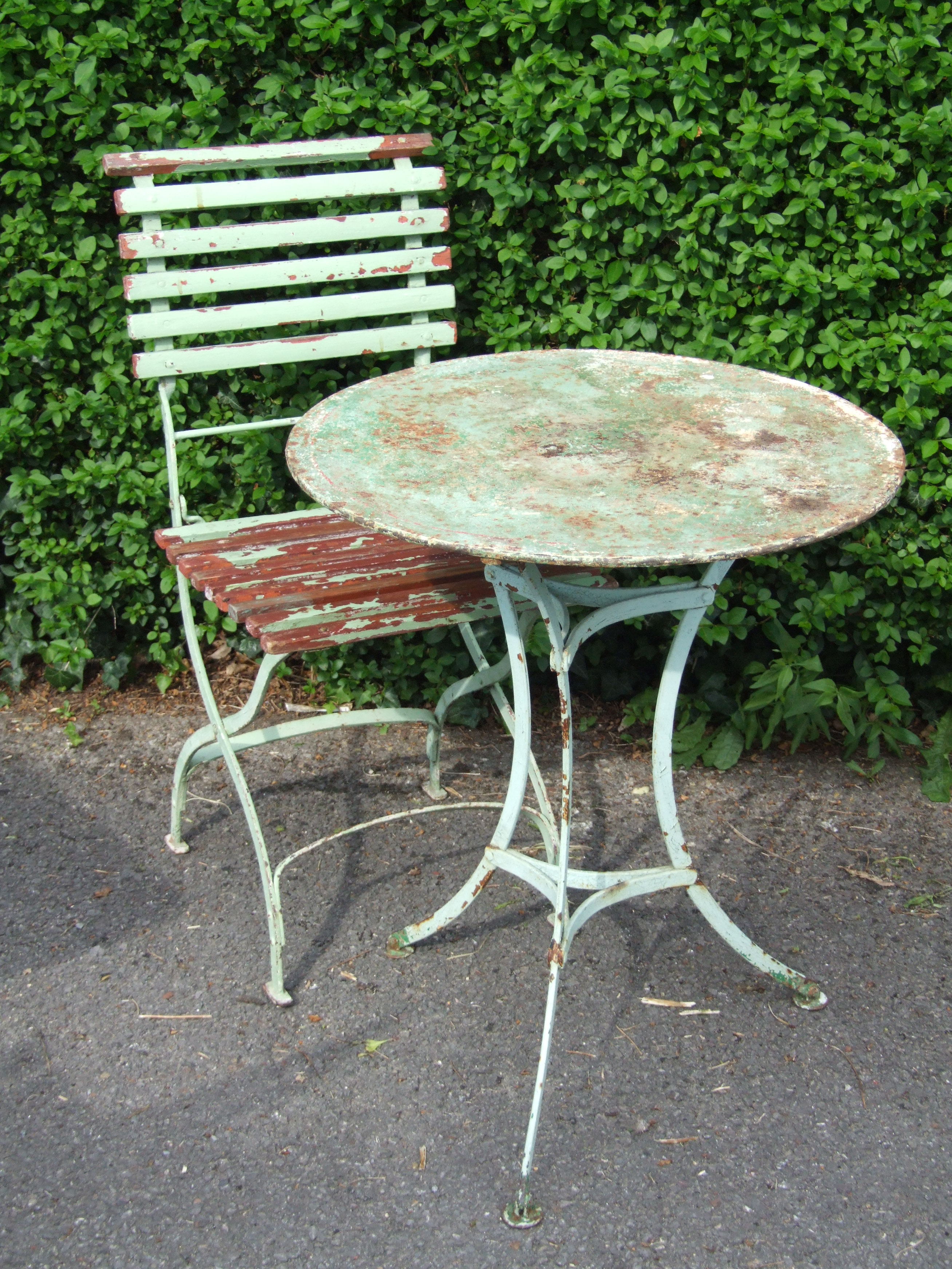 G200 S Vintage French Round Metal Pedestal Garden Patio Caf Table