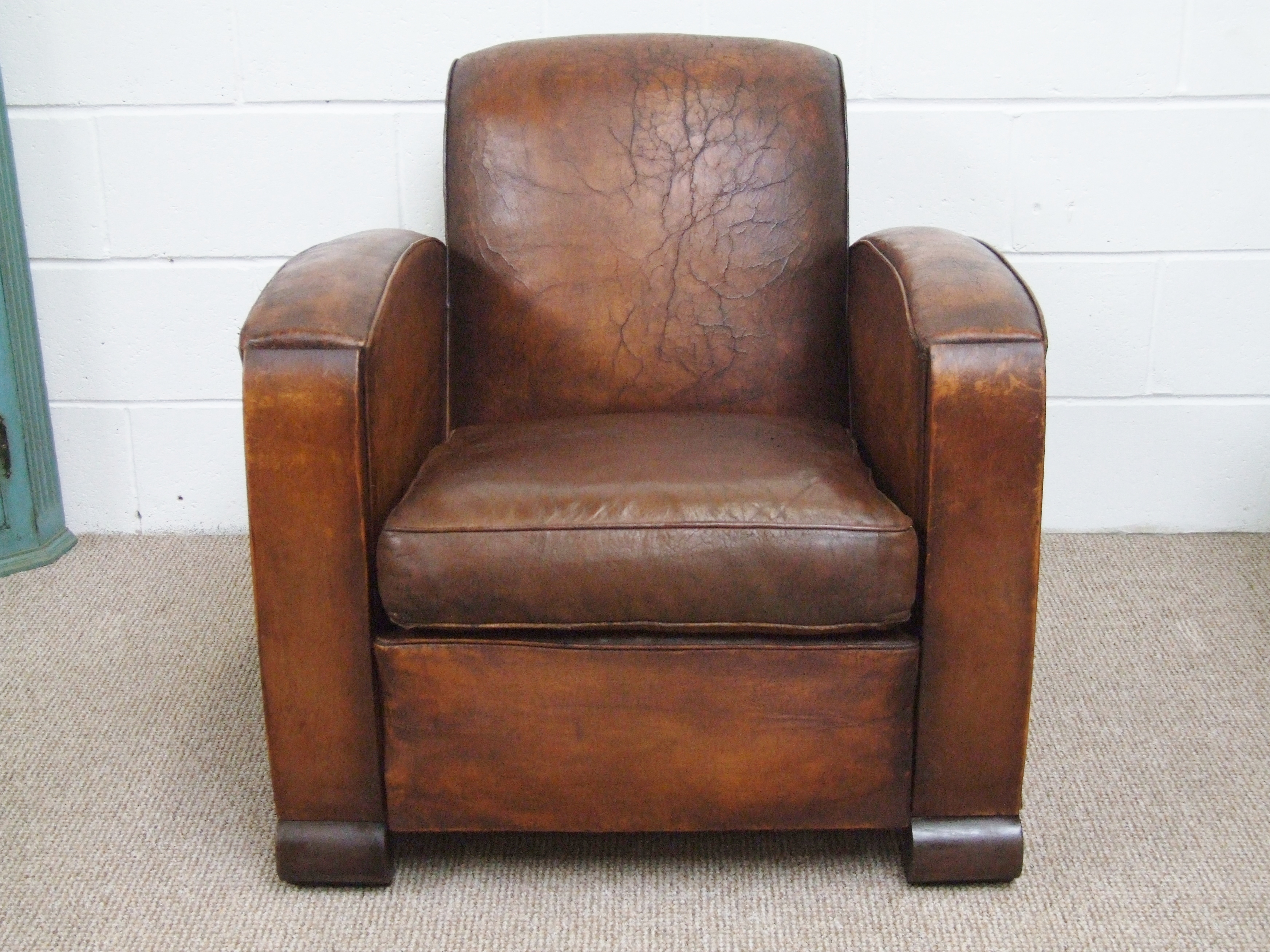 F584 S Spectacular Vintage French Deco Leather Club
