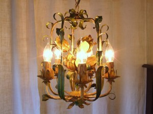 L174 - Gorgeous Vintage Italian Painted Toleware 5 Arm Cage Chandelier