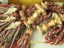 Antique & Vintage Curtains & Curtain Accessories