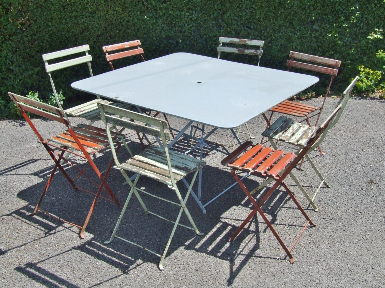 G293 Large Vintage French Folding Metal Garden Patio Cafe Table Table