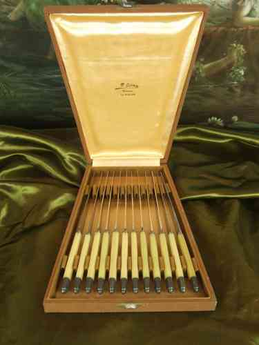B431 - Superb Antique French Boxed Set 12 Art Deco Tea Knives C1930