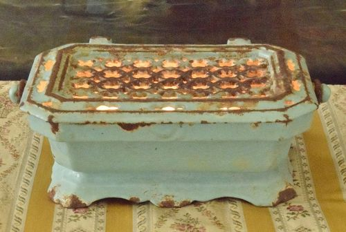 B830 - Superb Antique French Enamelled Cast Iron Foot Warmer / Food Warmer, 19th C