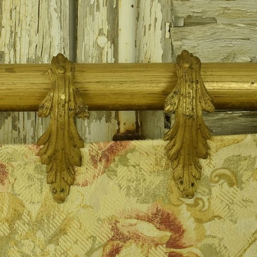 B1130 - Divine Set 12 Antique French Gilded Acanthus Leaf Chateau Curtain Rings, 19th C