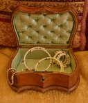 B1176 - Superb Antique Italian Tooled Leather Trinket / Jewellery Box, Green Silk Lining