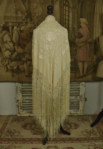 B1210 - Exquisite Antique Chinese Silk Hand Embroidered Piano Shawl, Tasseled Fringe
