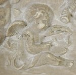 B1227 - Sublime Vintage French Distressed Plaster & Wood Plaque With Adorable Cherubs