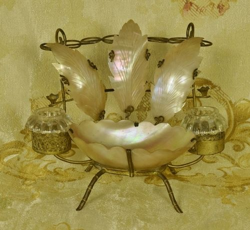 B1242 - Beautiful Antique French Mother Of Pearl Pen Stand With Glass Inkwells, 19th Century