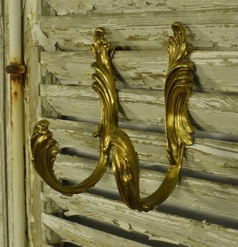 B1249 - Superb Pair Antique French Brass Acanthus Leaf Design Curtain Tie / Hold Backs