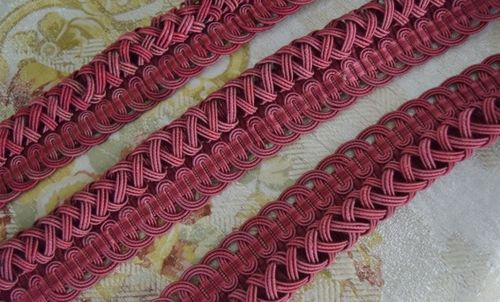 B1259 - Superb 2.2 M Length Antique French Silk Serpentine Passementerie / Braid / Trim