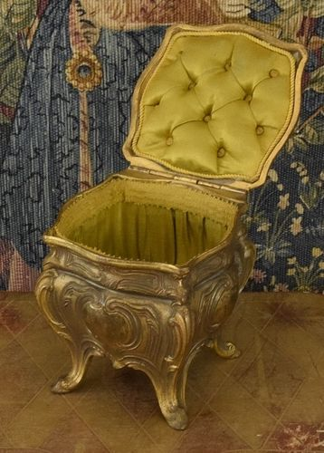 B1280 - Gorgeous Antique French Gilded Trinket Casket, Padded Green Silk Lining, 19th C