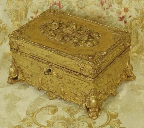 B1284 - Truly Exquisite Antique French Gilded Gesso On Wood Jewel / Keepsake Box 19th C
