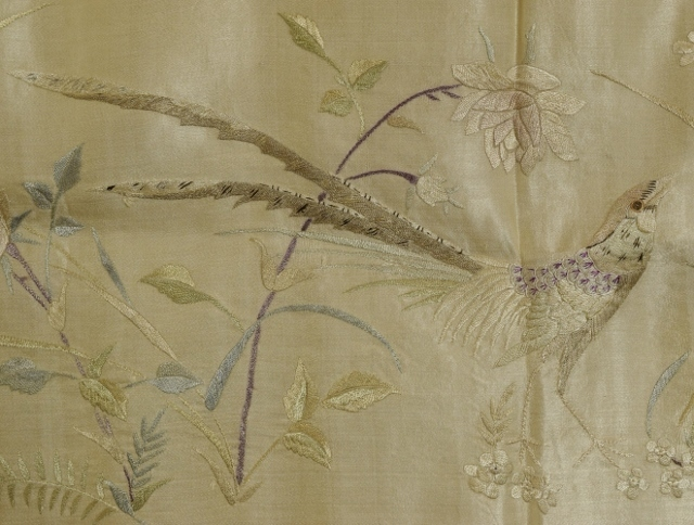 B1476 - Beautiful Long Panel 19th C Hand Embroidered Chinese Silk With Bird & Flowers